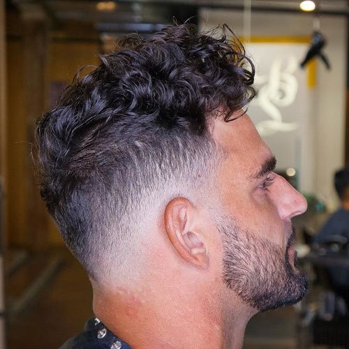 50 Best Curly Hairstyles & Haircuts For Men (2020 Guide)