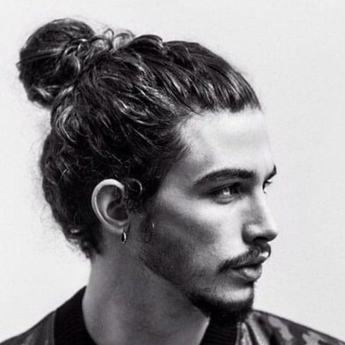 Long Wavy Hair   Man Bun
