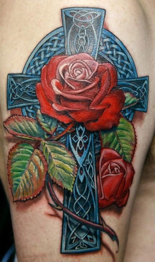 Kreuz mit Rose Tattoo