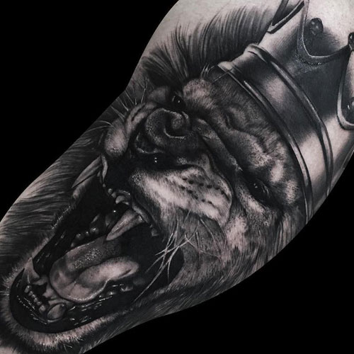 Realistic King Lion Crown Tattoo For Guys